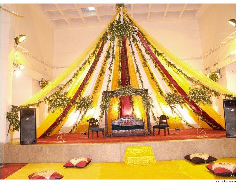 mahndi-stage
