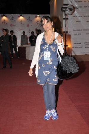 frieha-altaf-at-pfdc-fashion-week-day-3-red-carpet