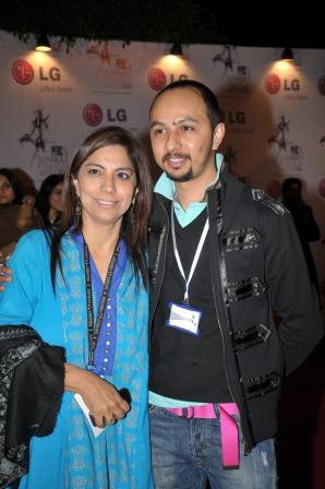 nomi-ansari-at-pfdc-fashion-week-day-3-red-carpet