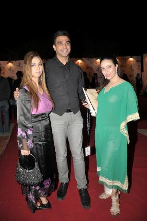 pfdc-fashion-week-day-3-red-carpet-6