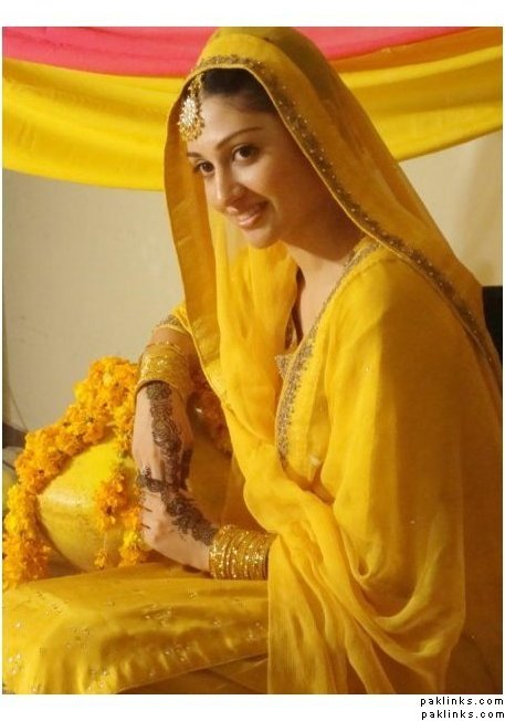 To be a Stylish Mehndi Bride - Life Style Polling for January comp 2011