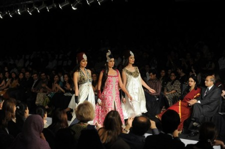 First day first show : Sun silk Fashion Week