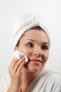 How to Camouflage Dry Skin and Wrinkles