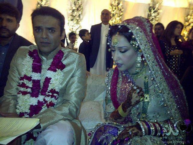 Tv Anchor Kashif Abbasi Weds Mehr Bukhari Rewaj All About Women