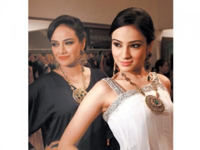 The Designers Sonar charms Karachi