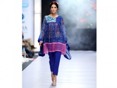 Showcase fashion show in Karachi 1
